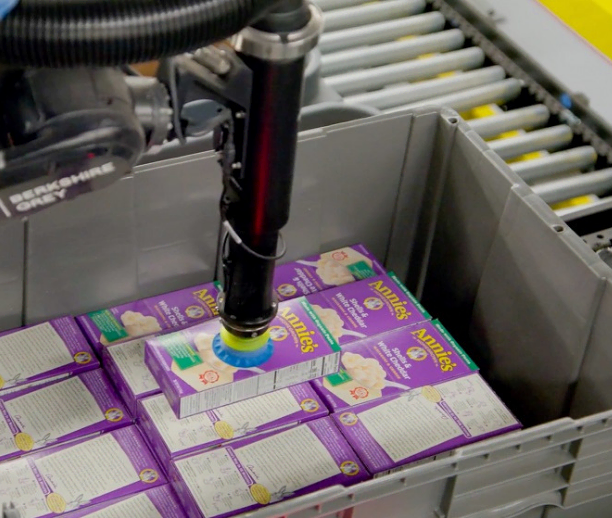 Robotically assemble break pack orders to dramatically improve efficiency in one of the most labor-intensive processes in grocery distribution centers.