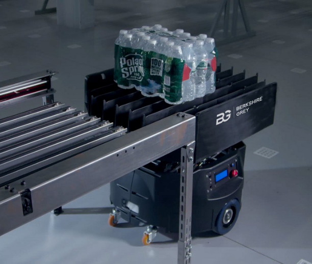 Store, sort, and move items, cases, and customer orders with an innovative mobile robotic platform for an end-to-end nano-/micro-fulfillment system.